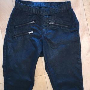 HUE 🖤 Faux Leather Legging